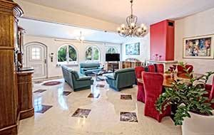 villa_small_paradise_livingroom1